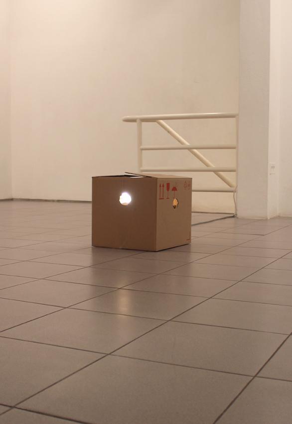 Adam Rabinowicz, Hand Grenade in the Knesset, 2005, cardbox, light, sound,  34 x 35 x 38 cm